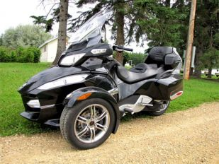 2010 BRP Can Am Spyder RT-S Touring Trike