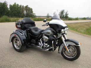 2013 Harley Davidson FLHTCUTG Tri Glide Trike